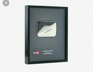 Placa de Prata Youtube
